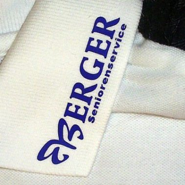 Kragenbeschriftung Textildruck auf Polo-Shirt Berger Seniorenservice