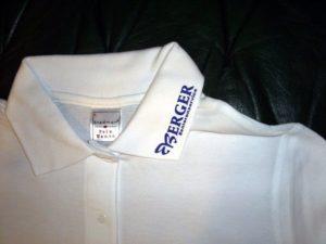 Polo-Shirt mit Textildruck Kragenbeschriftung aus Flexfolie für Berger Seniorenservice