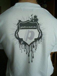 T-Shirt bedruckt mit Rückenlogo durch Sublimationsdruck