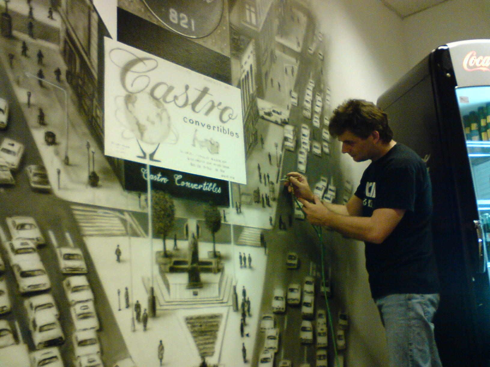 Airbrush Wandbemalung Meetingraum Coca Cola Werk Old New York City Making of - Arbeiten mit Torsten Rachu - Top-Airbrush