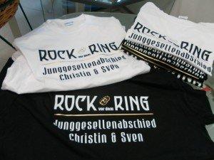 T-Shirt bedruckt mit Flexfolie Rock vor dem Ring